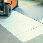Grubenabdeckungen aus Aluminium dienen der Sicherung von offenen Gruben in Arbeitsräumen und Werkstätten und ermöglichen ein gefahrloses Begehen und Befahren.