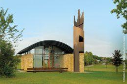 """Am 9. Juni 2007 wurde die Gnadenweiler Kapelle eingeweiht und ihr der Name """"Maria-Mutter Europas"""" verliehen."""