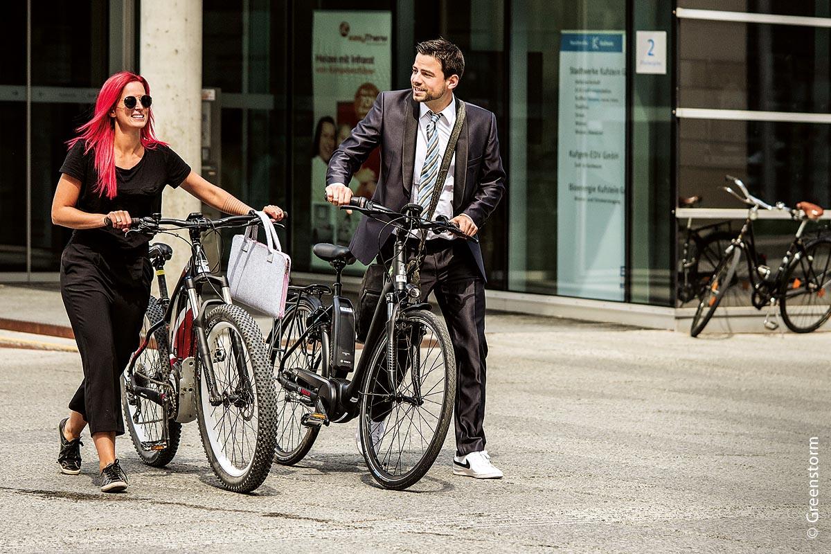 E-Bikes für Mitarbeiter sparen Autoparkplätze.