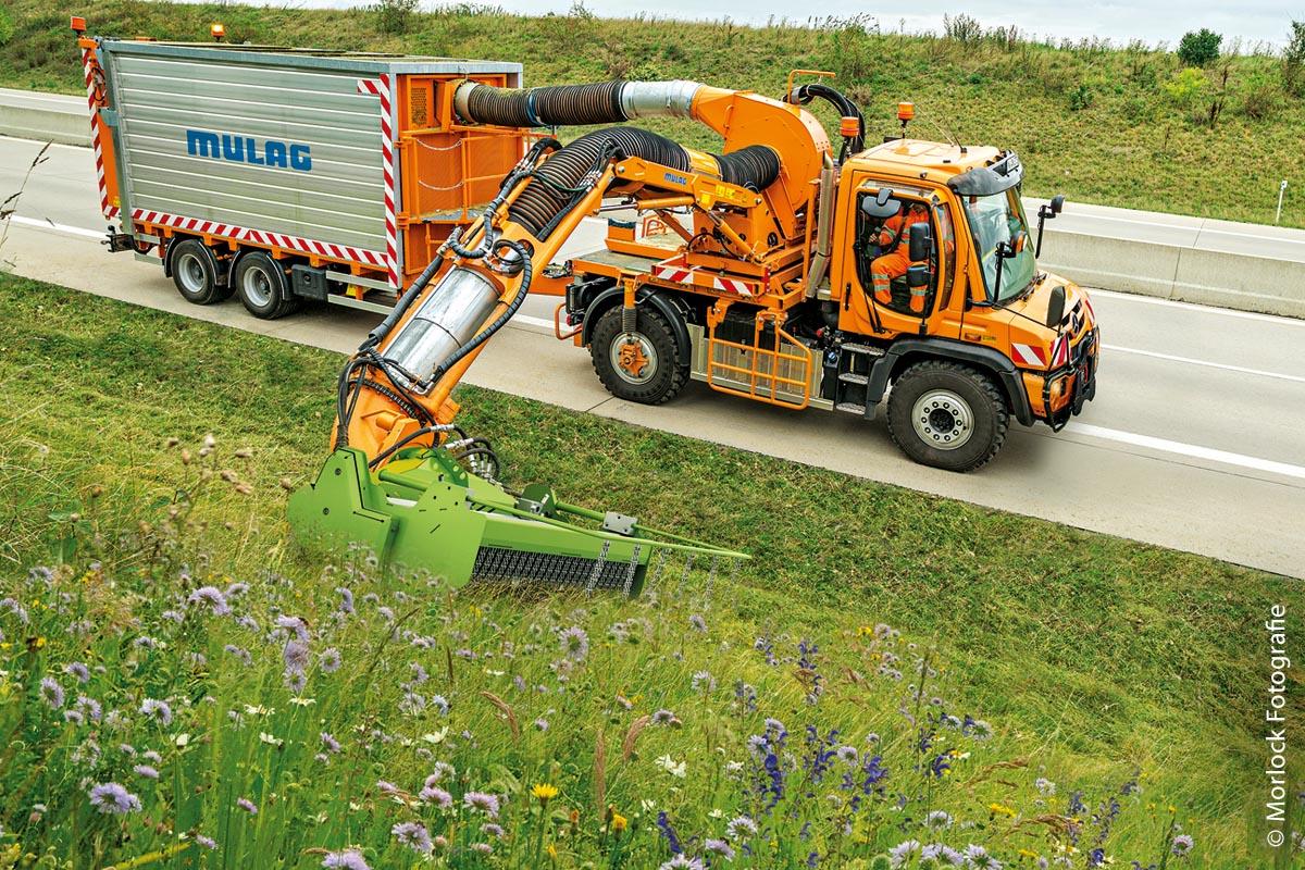 """Ein Volksbegehren in Bayern gab letztendlich den Ausschlag dafür, über neue Mähtechniken nachzudenken, die das Überleben von Insekten ermöglichen. Zusammen mit dem Hersteller Mulag entstand der Grünpflegekopf """"Eco 1200 plus"""", ein Produkt mit insektenfreundlicher Mähtechnologie."""