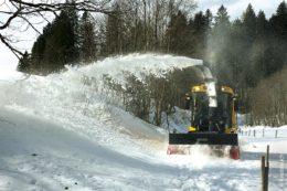 Im letzten Februar lag im Allgäu genügend Schnee, sodass sich der Einsatz der Schneefrässchleuder Supra 4002 mehr als gelohnt hat.