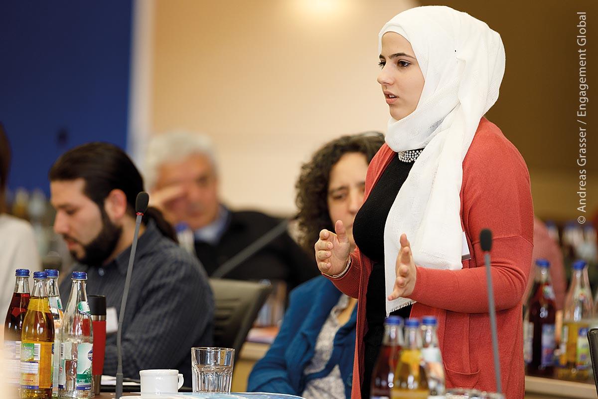 Beim Erfahrungsaustausch letztes Jahr berichtete Bayan Almarashli von ihren Erlebnissen in der Maintaler Stadtverwaltung.