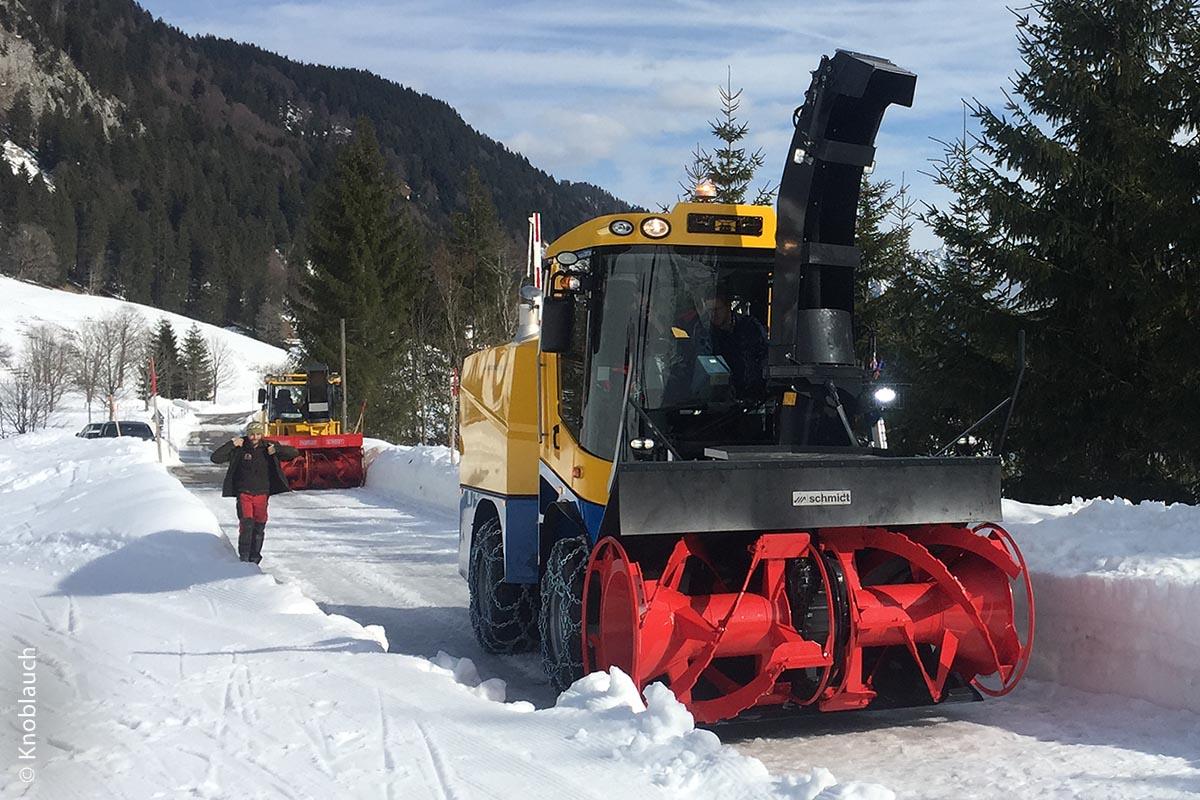 Bevor die Schneefräse Supra 4002 Mitte Februar übernommen wurde, startete man jedoch noch eine ausgiebige Probefahrt.