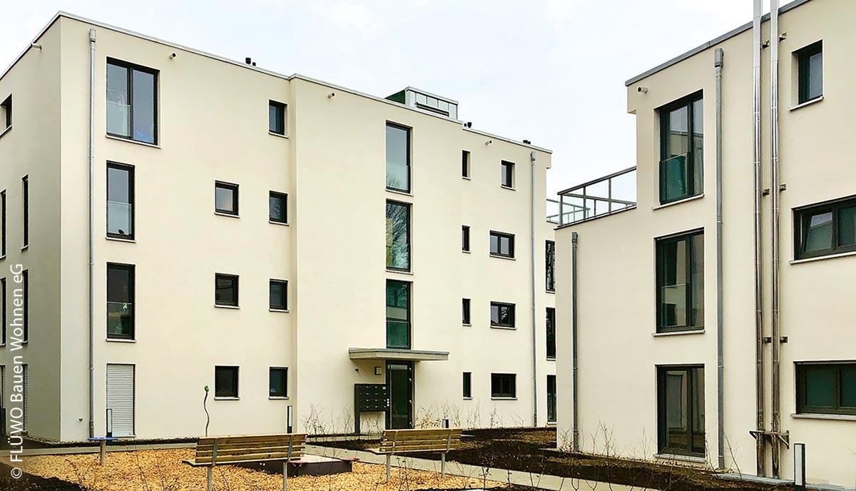 Die ortsansässige FLÜWO Bauen Wohnen eG hat ein Wohngebiet  in Stuttgart-Degerloch gebaut.