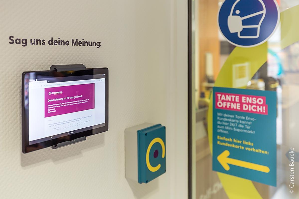 """Der """"Tante-Enso-Laden"""" setzt auf Transparenz, Feedback und die Möglichkeit, per Zugangskarte rund um die Uhr einkaufen zu können."""