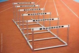 Neben Hürden werden auch vor allem Fußballtore hergestellt.