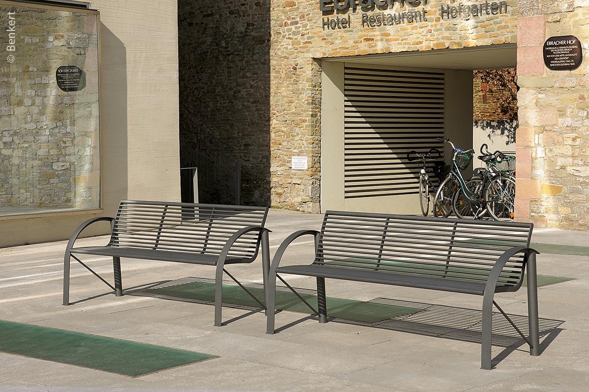 Siardo 120R: Dieses Modell und Siardo 400 R gibt es auch als seniorengerechte Varianten mit erhöhter Sitzfläche.