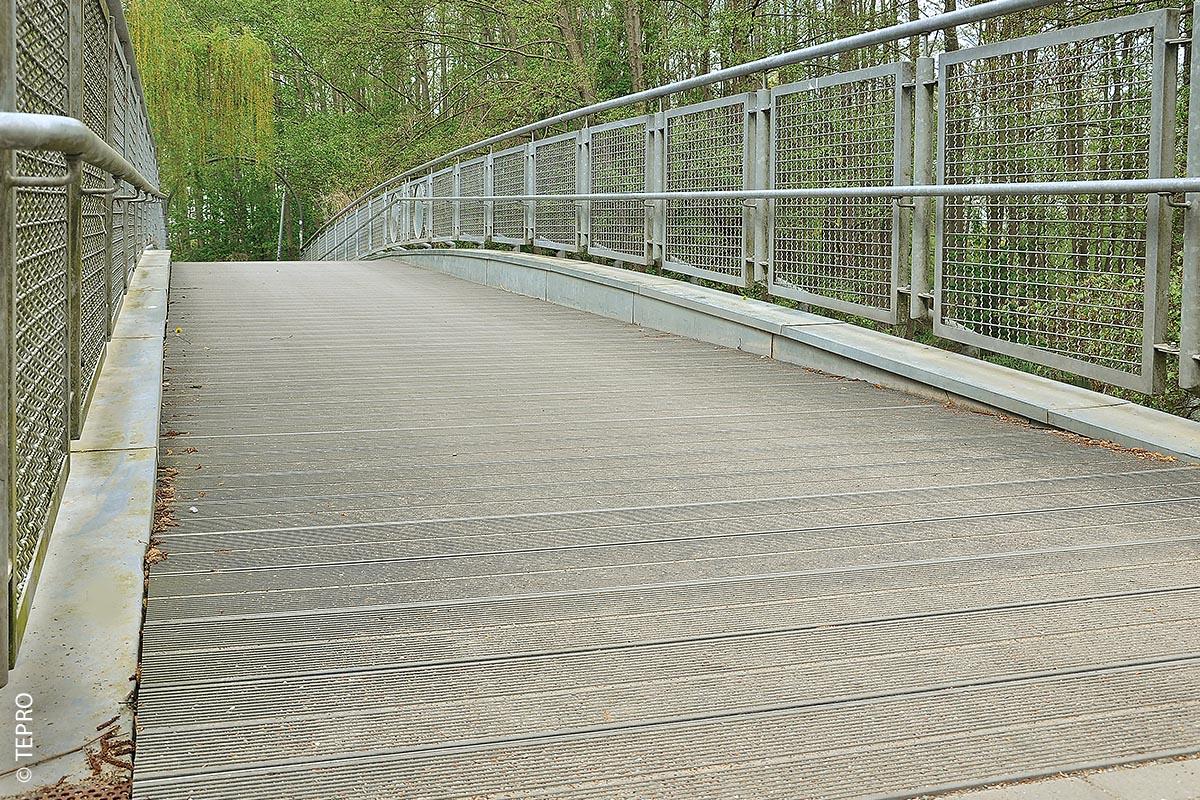 Die zu sanierende Brücke in Bützow war 30 Meter lang und rund 2,70 Meter breit.