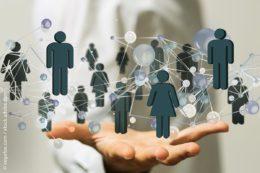 Sind alle Mitarbeiter gut mit ihrem Unternehmen und untereinander vernetzt, können Projekte auch schneller umgesetzt werden.