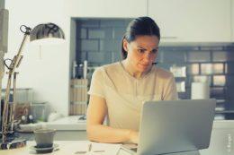 Mitarbeiter und Arbeitgeber sollten versuchen, gemeinsam eine für alle Seiten tragbare Lösung zu finden. Eine einfach kontrollierbare Zeiterfassung erleichtert hier vieles.
