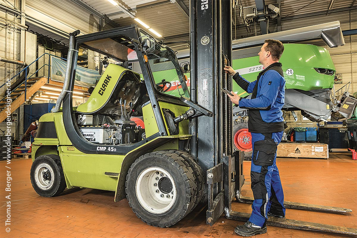 Die deutsche gesetzliche Unfallversicherung setzt eine jährlich wiederkehrende Überprüfung von allen im Einsatz befindlichen Betriebsmitteln, inklusive aller Fahrzeuge, voraus. Deshalb ist es Pflicht, diese regelmäßig überprüfen zu lassen.