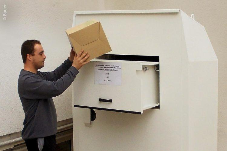 Mit dem Paket-Container können jetzt die Pakete außerhalb der Öffnungszeiten angeliefert und sicher aufbewahrt werden.