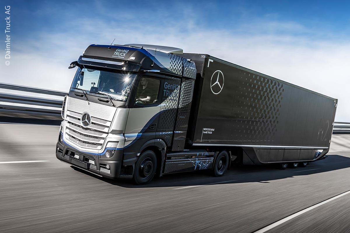 Seit Ende April 2021 wird der GenH2 von Mercedes-Benz auf einer Teststrecke getestet. Noch in diesem Jahr soll er auch auf öffentlichen Straßen fahren.