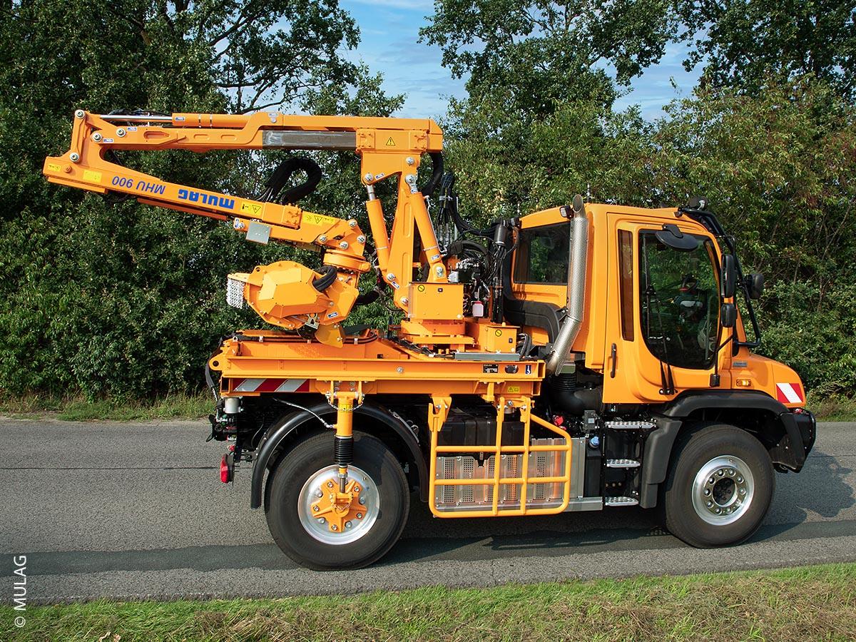 Der Heckausleger MHU 900 nach erledigter Arbeit beim Transport
